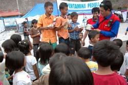 Unicef Dirikan 23 Tenda Sekolah Pengungsi Merapi