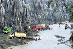 Truk Pasir Terjebak Lahar di Sungai Belan