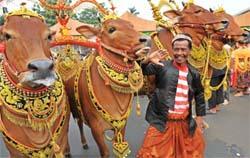 Seniman Sepakat Selesaikan Persoalan Bangsa Melalui Budaya